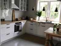 Kuchnia_biel i drewno