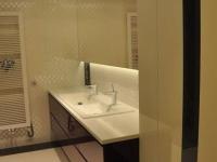 lakierowane meble łazienkowe