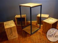 b_drewniane kostki ze stolikiem - very wood