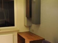lakierowane szafki wiszące z biurkiem fornirowany