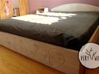 bielone łóżko z drewna litego - very wood
