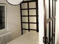 garderoba z drewnianym łóżkiem3-very wood