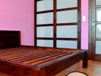 garderoba z drewnianym łóżkiem6-very wood