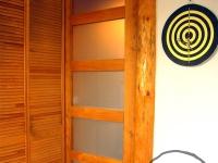 Przesuwne drzwi łazienkowe-very wood