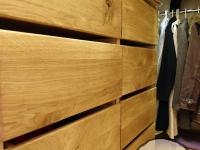 garderoba z dębowymi aplikacjami3 -very wood